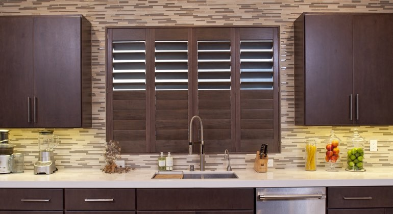 Chicago cafe kitchen shutters
