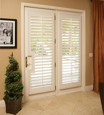 Exceptionnel French Back Door With White Plantation Shutters