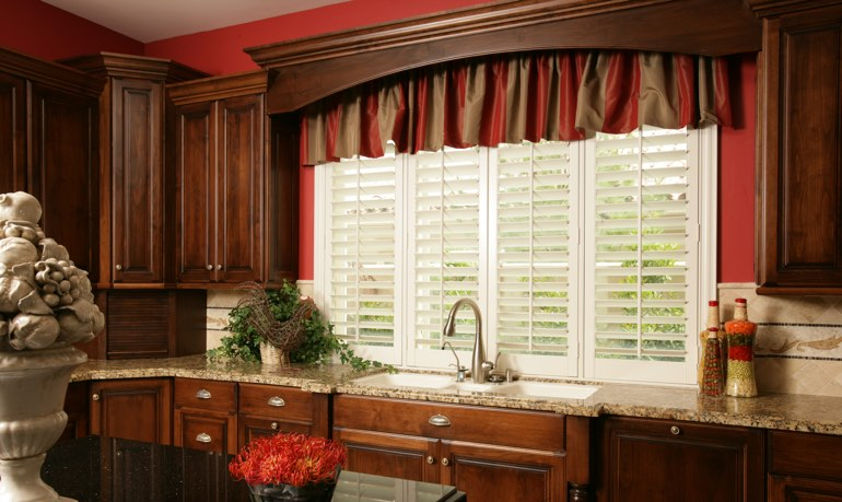 Chicago kitchen shutter and cornice valance