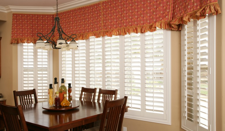 Plantation shutters in Chicago dining room.