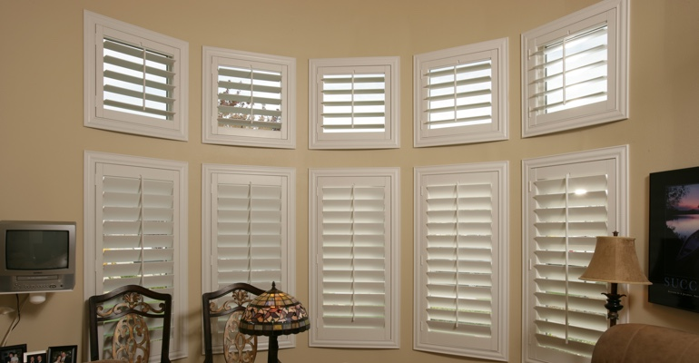 Bay window shutters Chicago home office