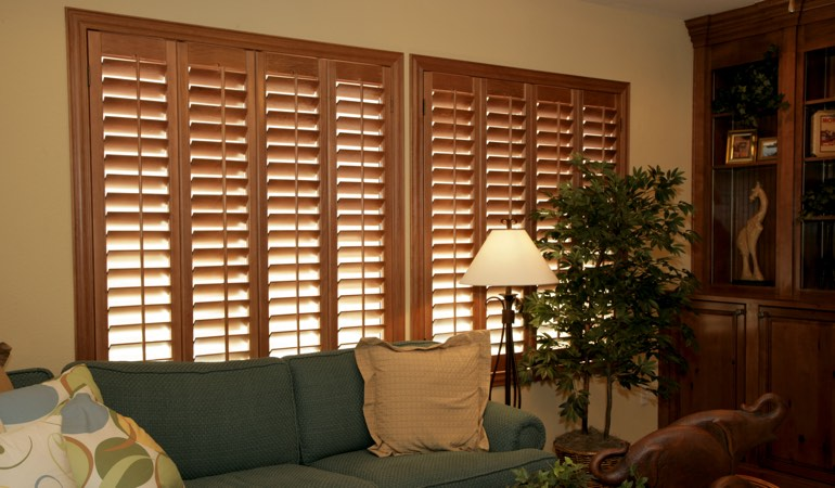 How To Clean Wood Shutters In Chicago, IL