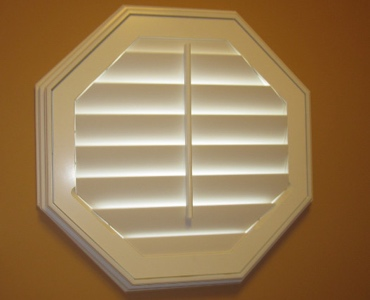 Chicago octagon window shutter