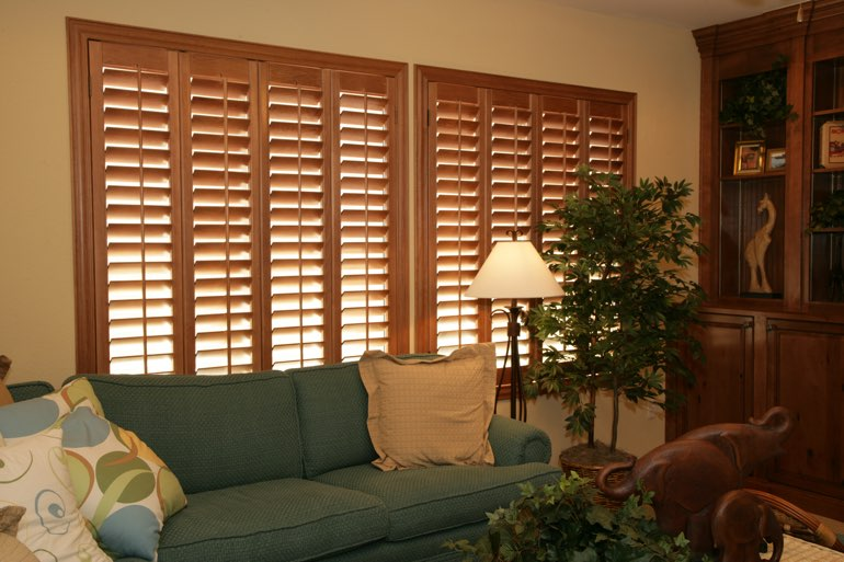 Ovation Shutters In A Chicago Living Room.